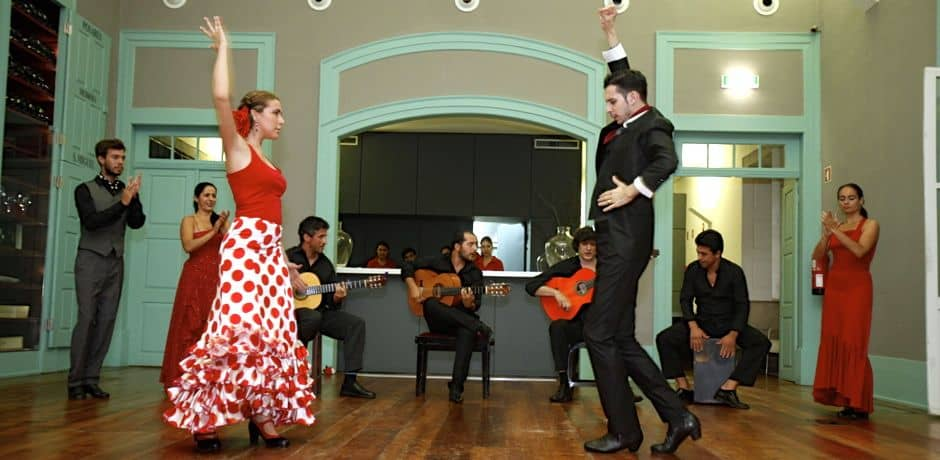 An after-dinner flamenco performance at the Douro Museum.