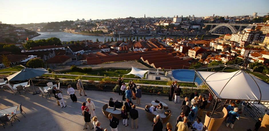 Cocktails on the terrace of the  Yeatman, Porto's finest hotel. Photo courtesy of Miguel Ribeiro Fernandes/Alexandre Vaz.
