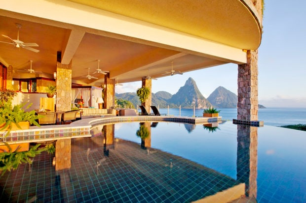Indoor-outdoor living at Jade Mountain. Courtesy Jade Mountain.