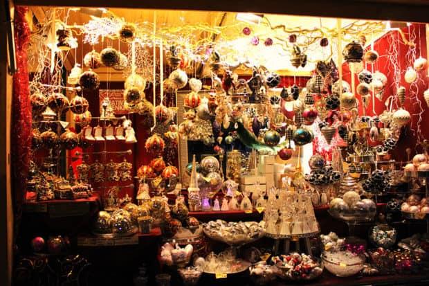 Schönbrunn Palace Christmas Market, courtesy Traveljunction