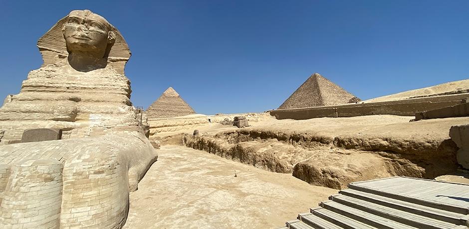 An empty Giza. Courtesy Chris Miller