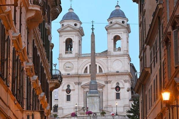 H-Rome-Regina-Baglioni-Hi_LW2179_55676930_via-condotti-piazza-di-spagna1