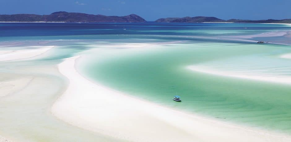 Whitehaven Beach (courtesy Tourism Australia)