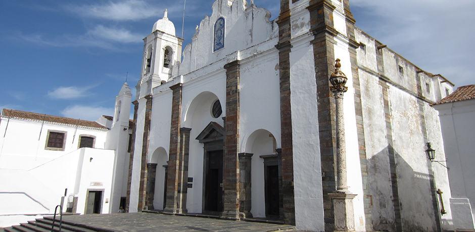 Igreja de Nossa Senhora da Lagoa is a Renaissance-style church in Monsaraz dating back to the 16th century.