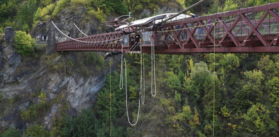 For outdoor enthusiasts and dare devils, New Zealand is a perfect fit. This is - not surprisingly - where bungee jumping was invented in the 1980s.