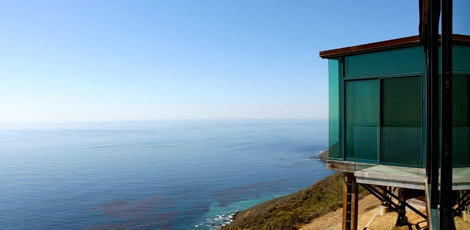Situated on a cliff in Big Sur, Post Rant Inn offers unobstructed views to the ocean