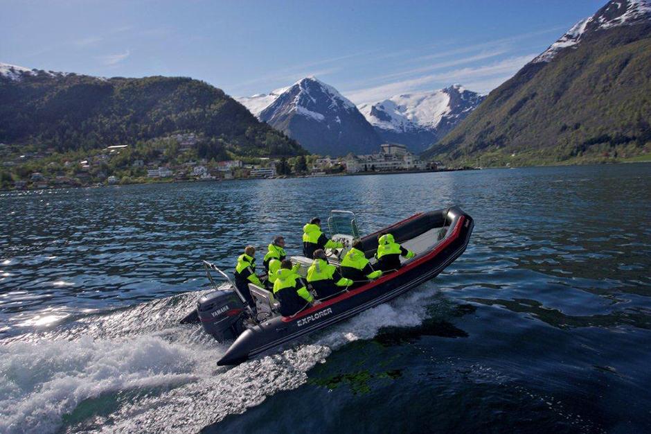 Indagare Tours: RIB Boat Tour